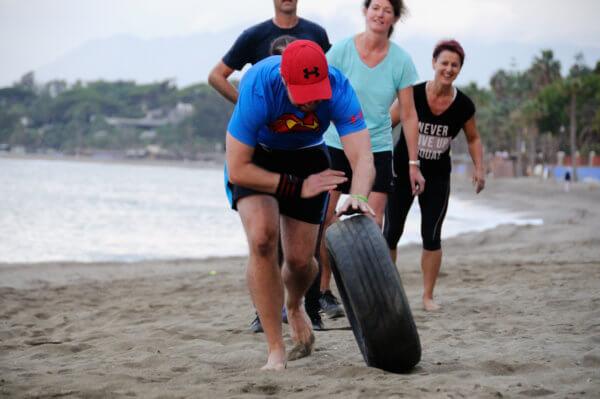Fitness Urlaub - Vollgas beim Team Workout am Beach von Marbella