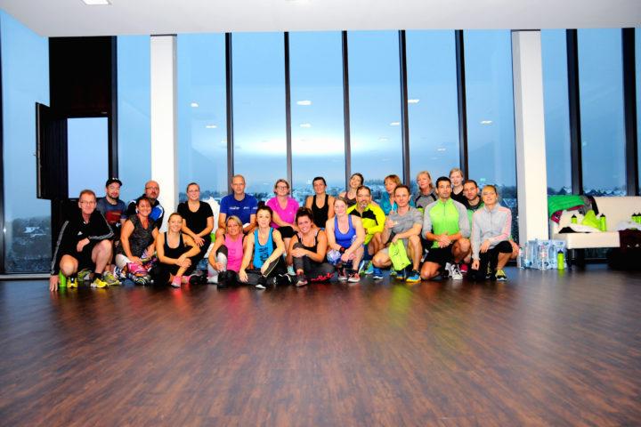Gruppenfoto nach der Fitnesseinheit