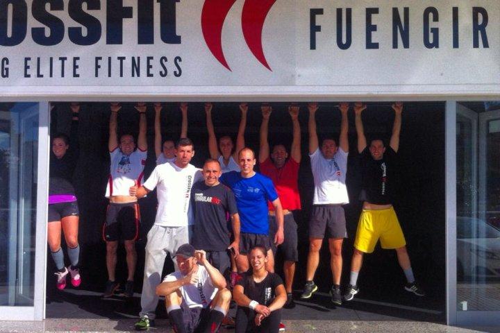 CrossFit Urlaub in Spanien - Teamfoto vor der Box in Fuengirola