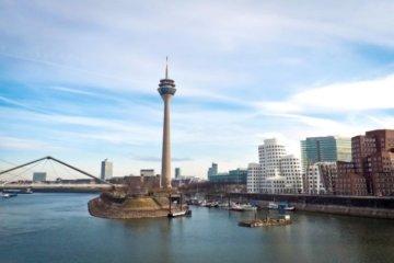 Blick auf den Medien Hafen Düsseldorf