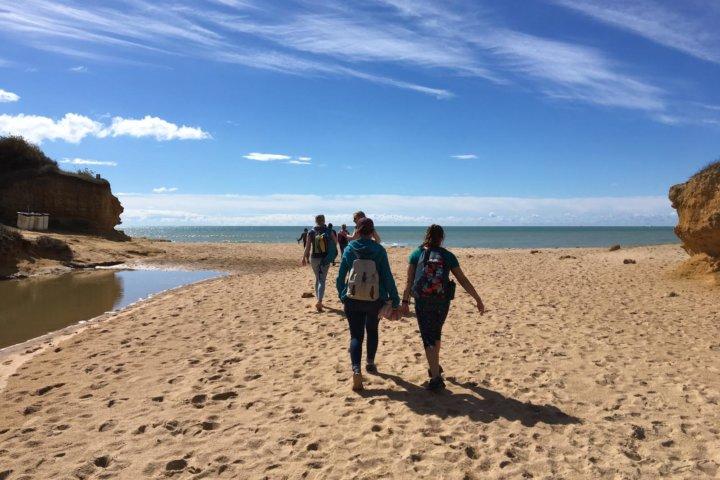 Aktivurlaub am Atlantik: Strandwanderung in Conil