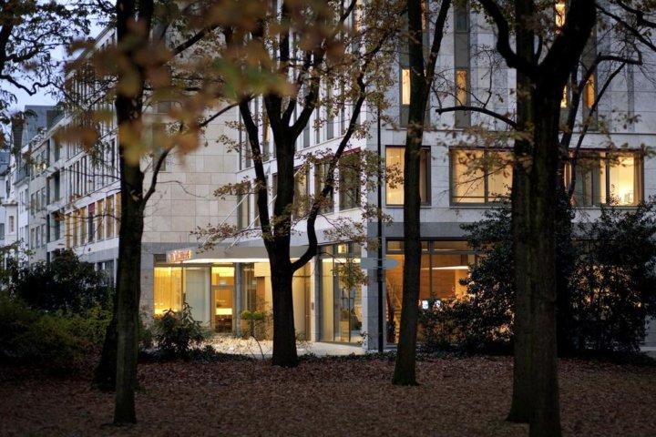 Melia Hotel Düsseldorf direkt am Hofgarten
