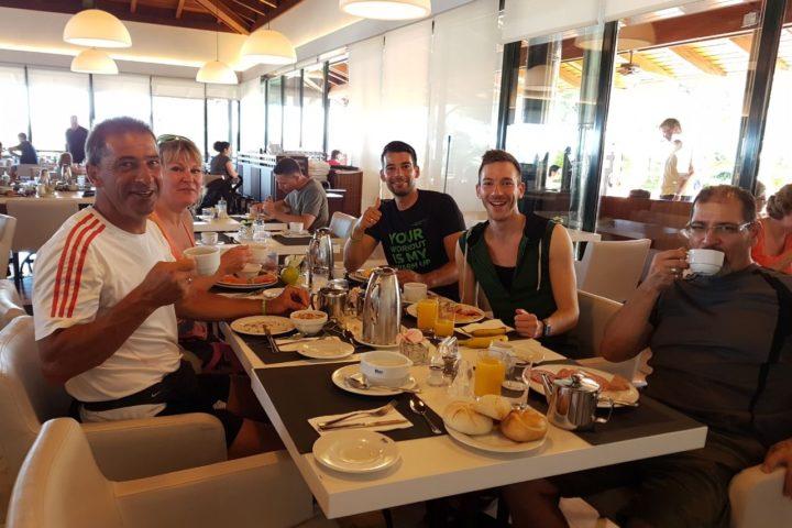 Frühstück mit unserem Trainerteam