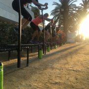 Unsere Trinkflaschen sind auch während den Reisen voll im Einsatz. Hier beim Jumping Fitness auf der Promenade von Marbella