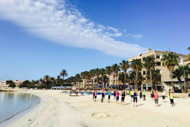 Sporteinheiten direkt am Strand