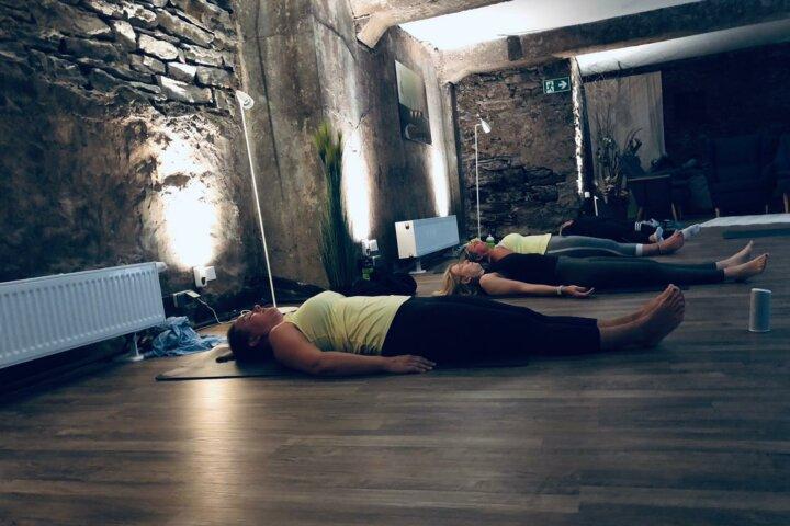 Yoga an der Mosel
