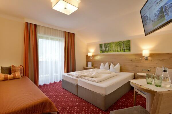 Pension-Birkenhof-Mayrhofen-Familie-Moigg-Schwendaustrasse-184-Zimmer[1]