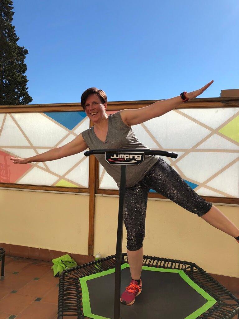 Fitnessurlaub in Marbella - Jumping Fitness - Balance Übung