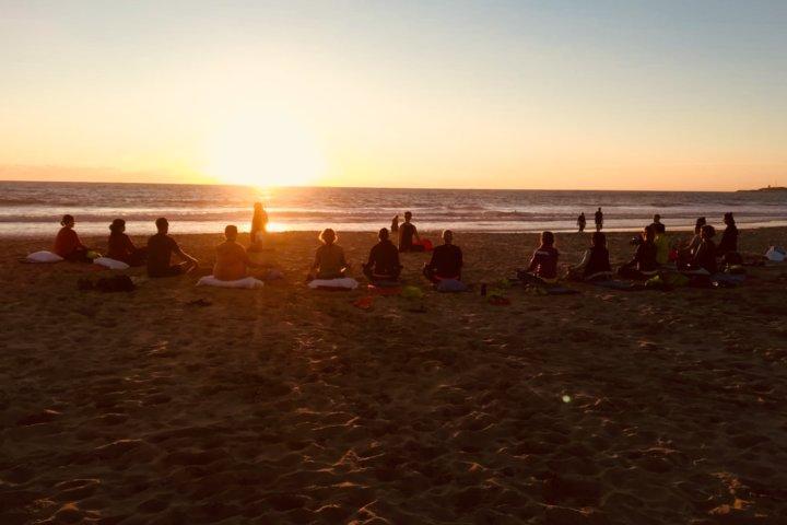 Großartiger Tagesabaschluss: Sunset-Yoga in Conil