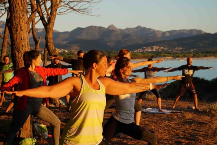 Retreat: Sonnenaufgangs-Yoga auf Sardinien